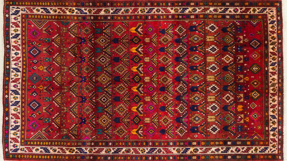 A Persian Hand Knotted Hamadan Carpet, 330 x 190