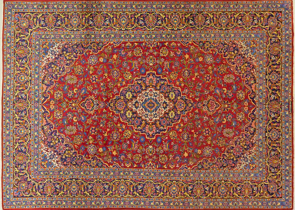 A Persian Hand Knotted Kashan Carpet, 356 x 259