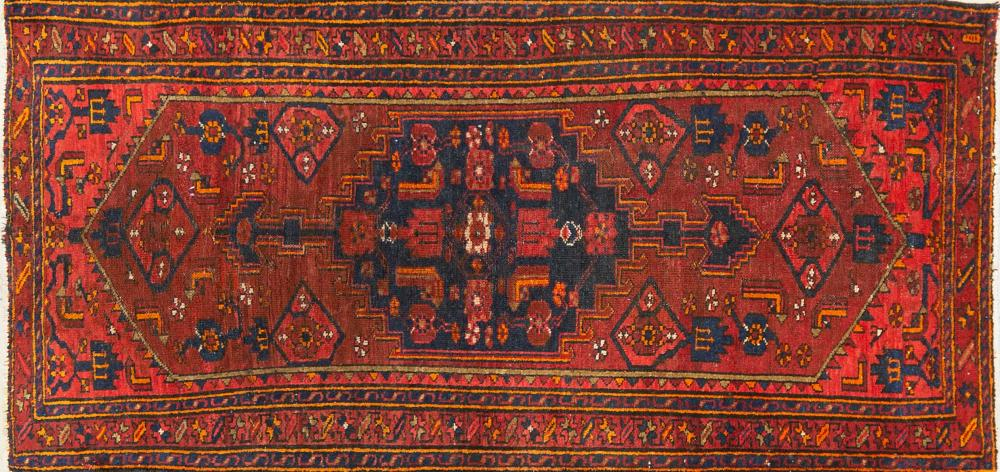 A Persian Hand Knotted Hamadan Carpet, 210 x 100