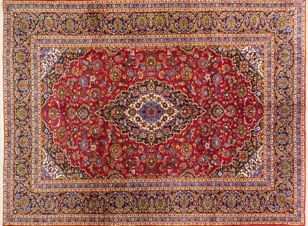 A Persian Hand Knotted Kashan Carpet, 365 x 276