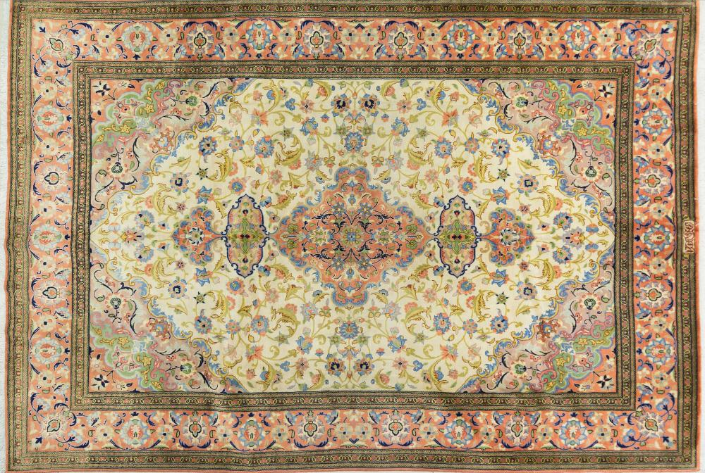 A Persian Hand Knotted Tabriz Carpet, 297 x 210