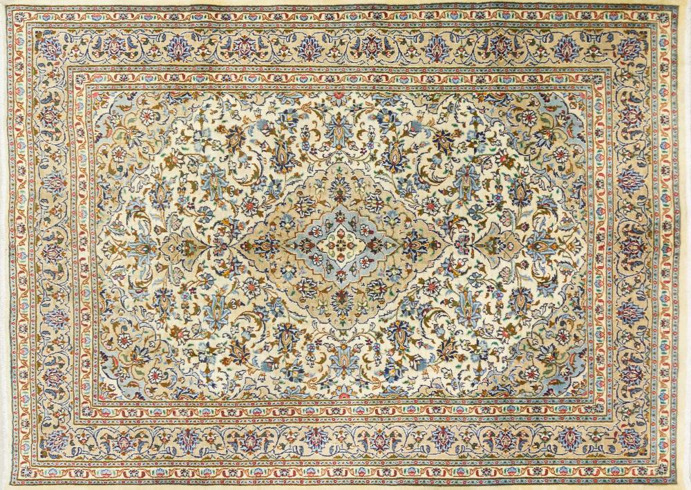 A Persian Hand Knotted Kashan Carpet, 280 x 200