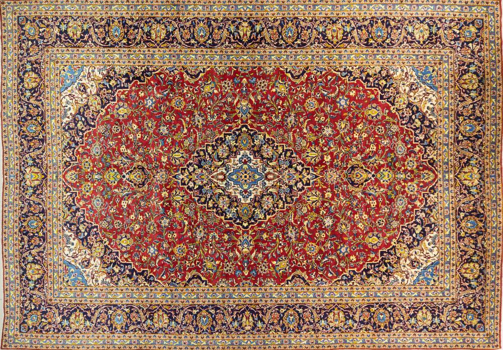 A Persian Hand Knotted Kashan Carpet, 417 x 292