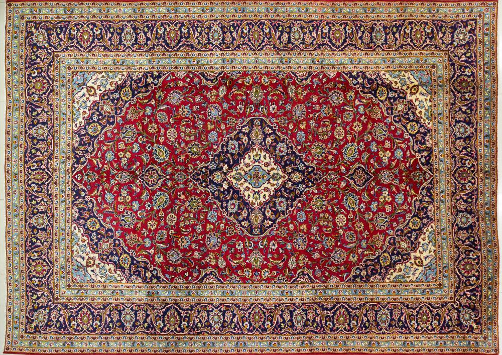 A Persian Hand Knotted Kashan Carpet, 400 x 290