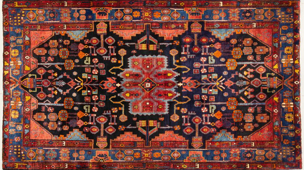 A Persian Hand Knotted Hamadan Rug, 257 x 148