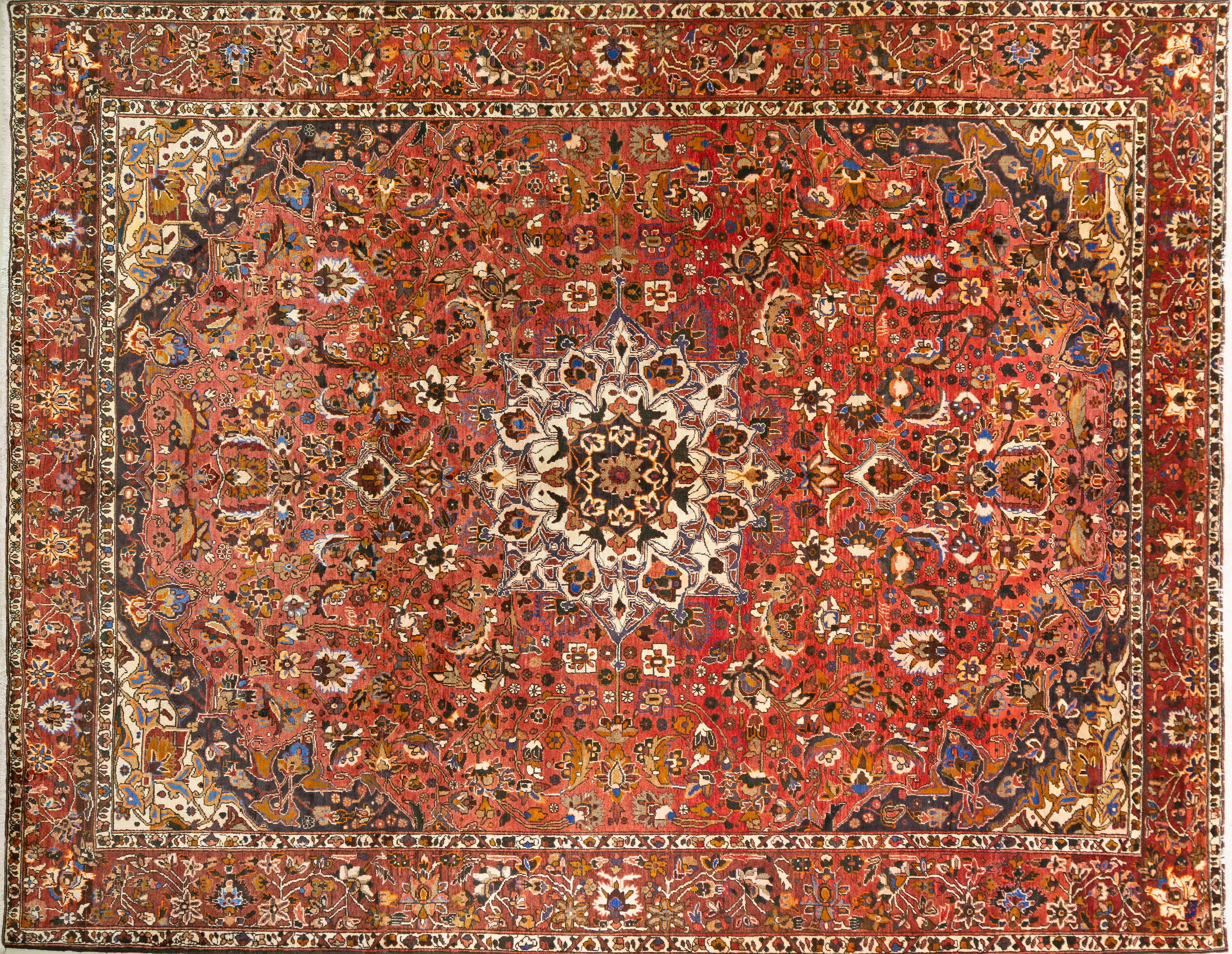 A Persian Hand Knotted Bakhtiari Carpet, 355 x 280