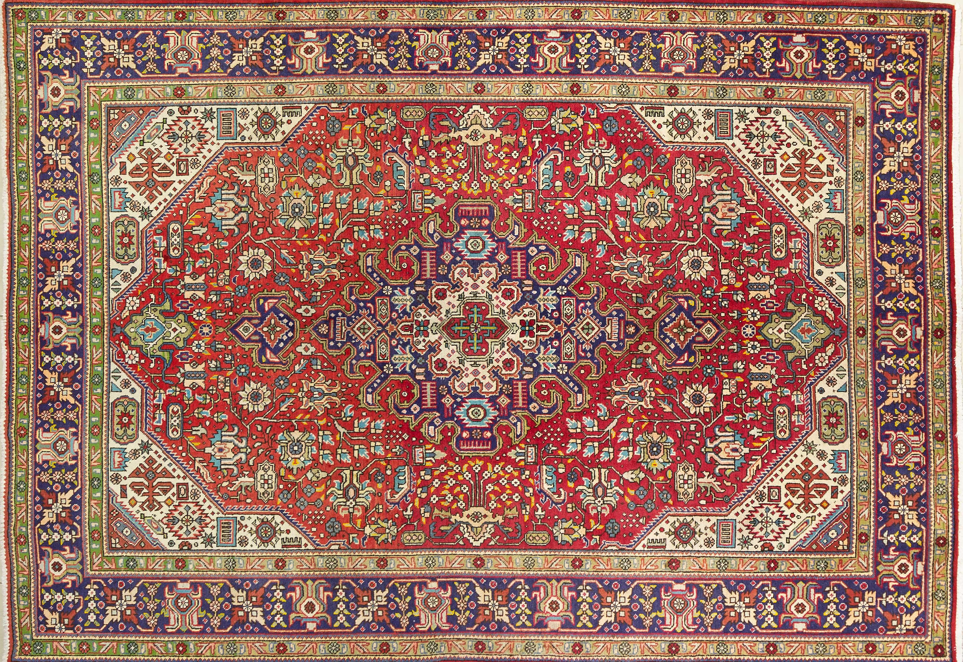 A Persian Hand Knotted Tabriz Carpet, 295 x 200