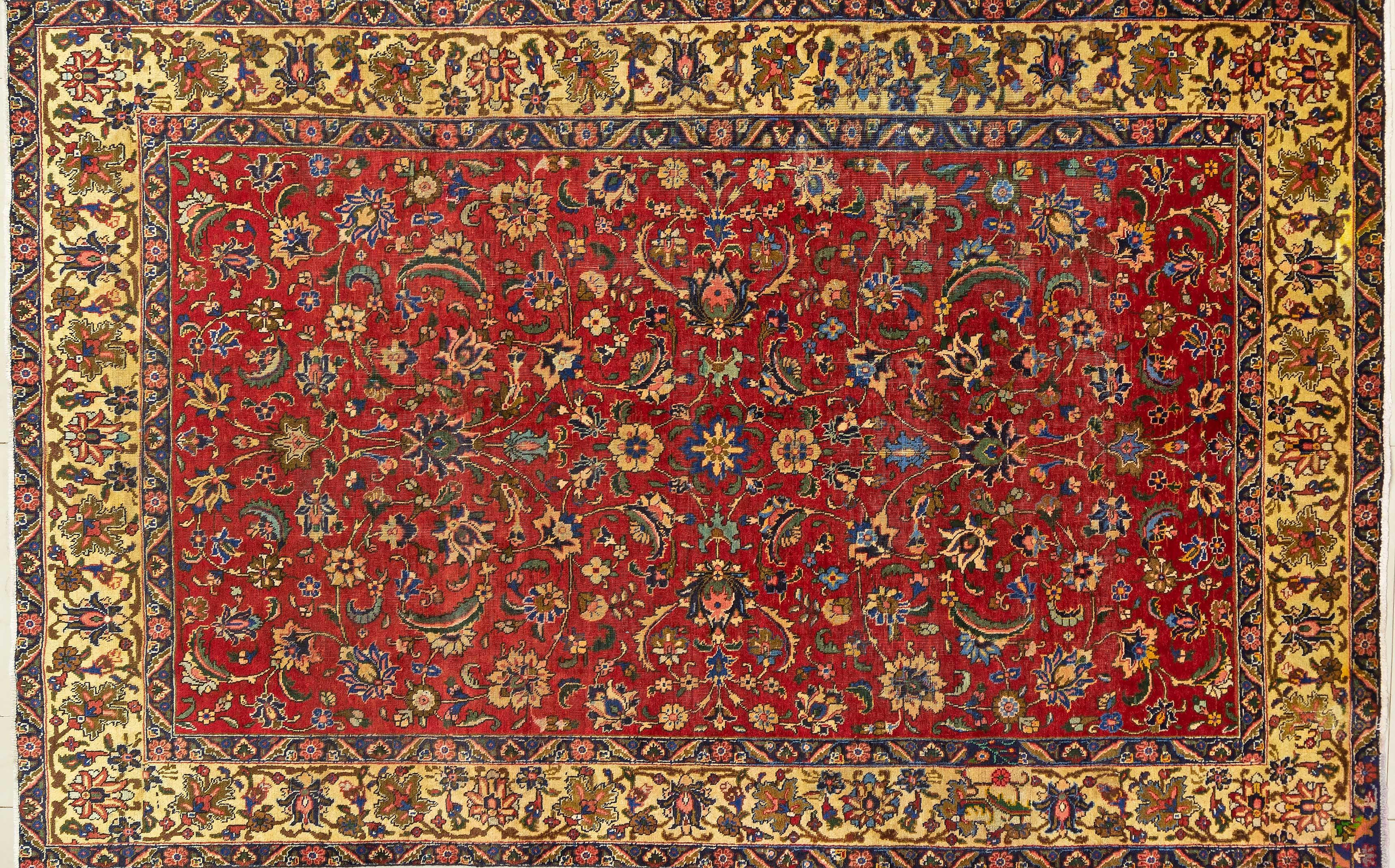 A Persian Hand Knotted Tabriz Carpet, 300 x 193