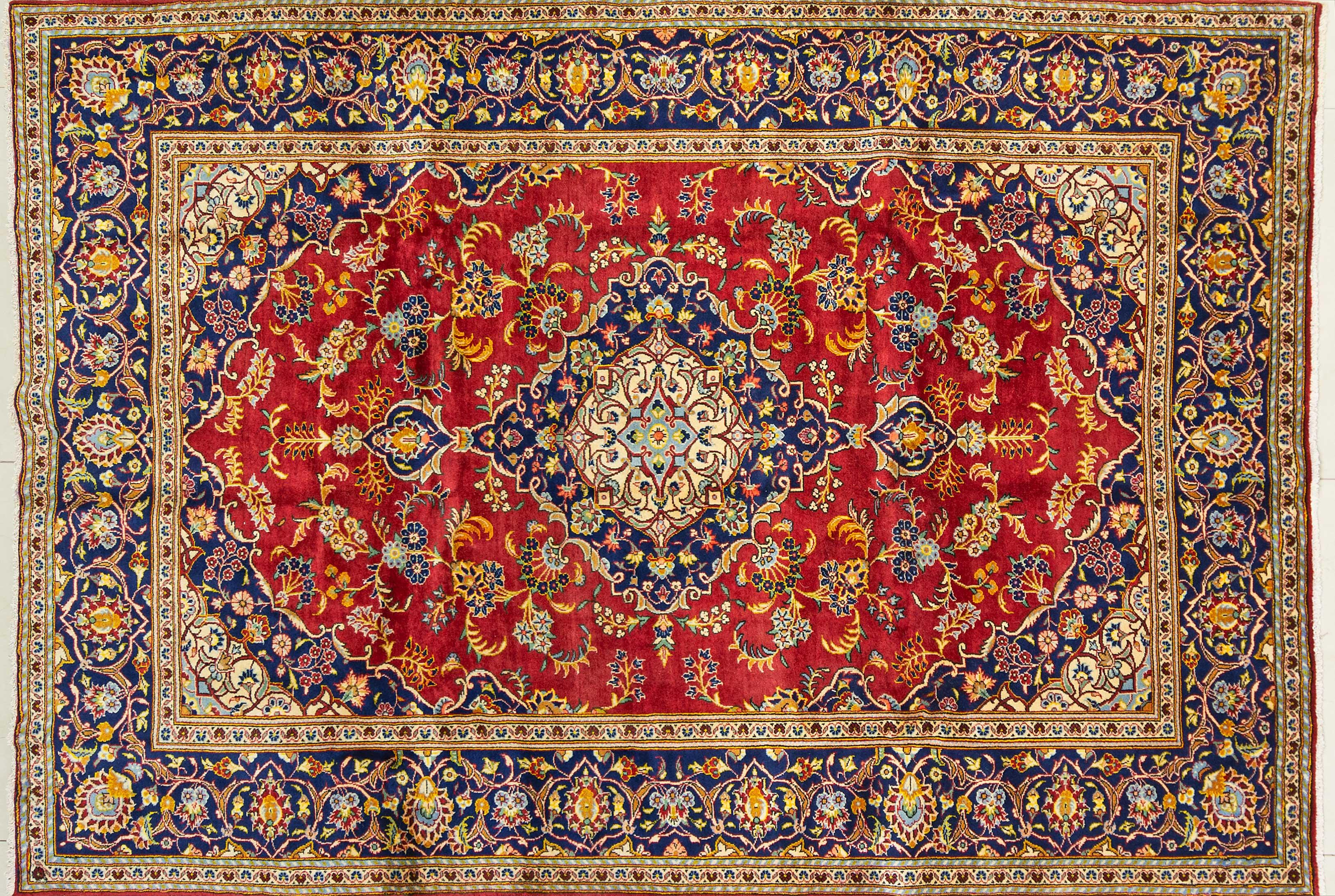 A Persian Hand Knotted Ardakan Carpet, 273 x 194