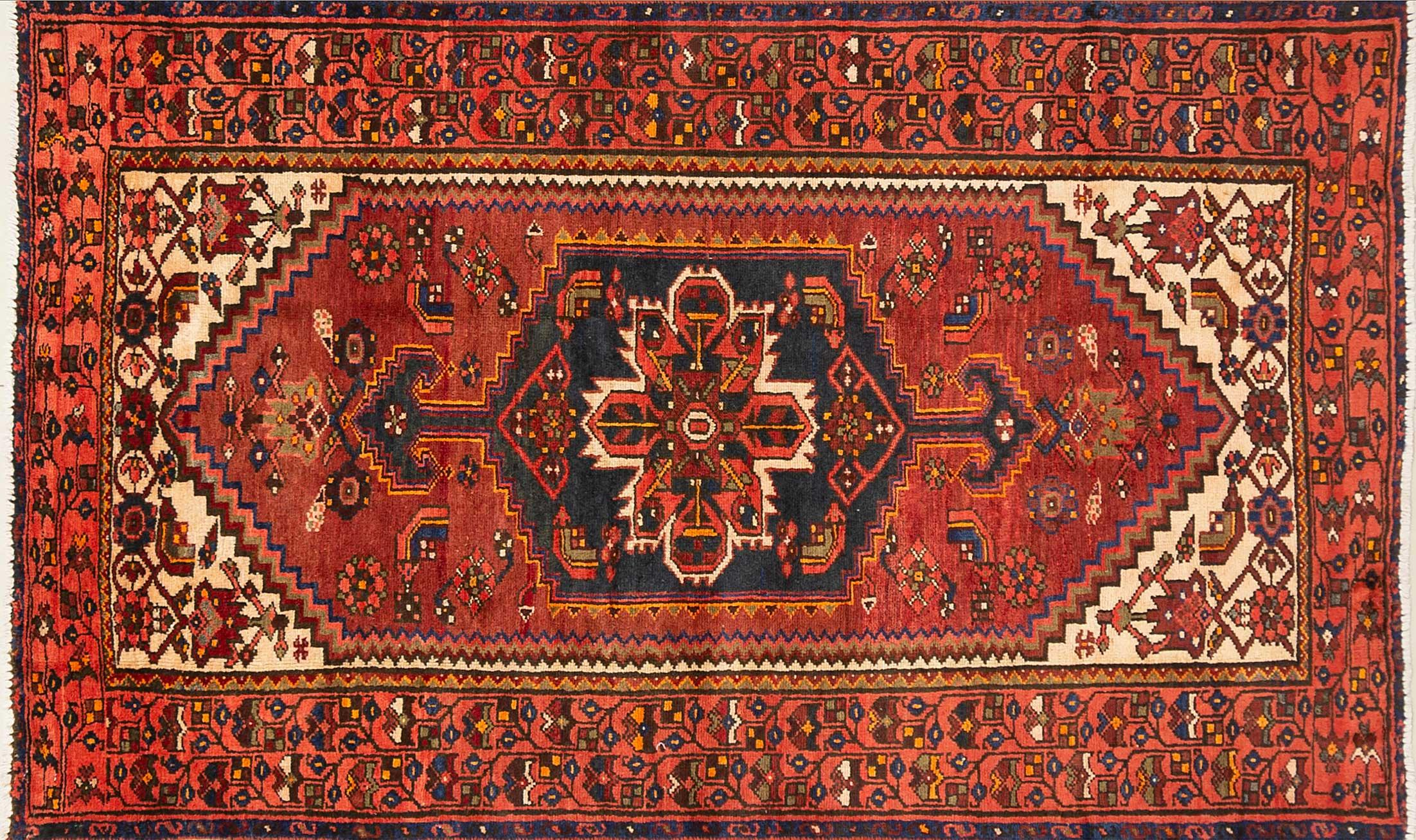 A Persian Hand Knotted Hamadan Rug, 200 x 120
