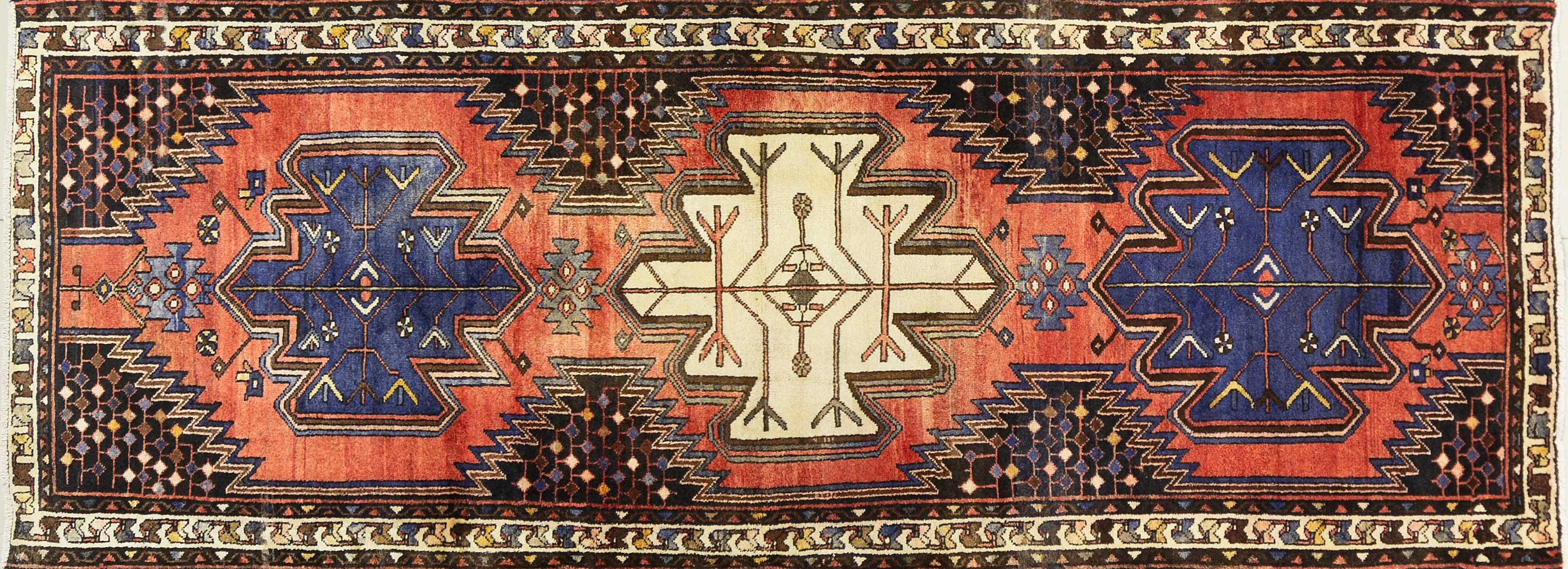 A Persian Hand Knotted Hamadan Runner, 290 x 105