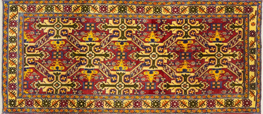 A Persian Hand Knotted Ardebil Rug, 312 x 135