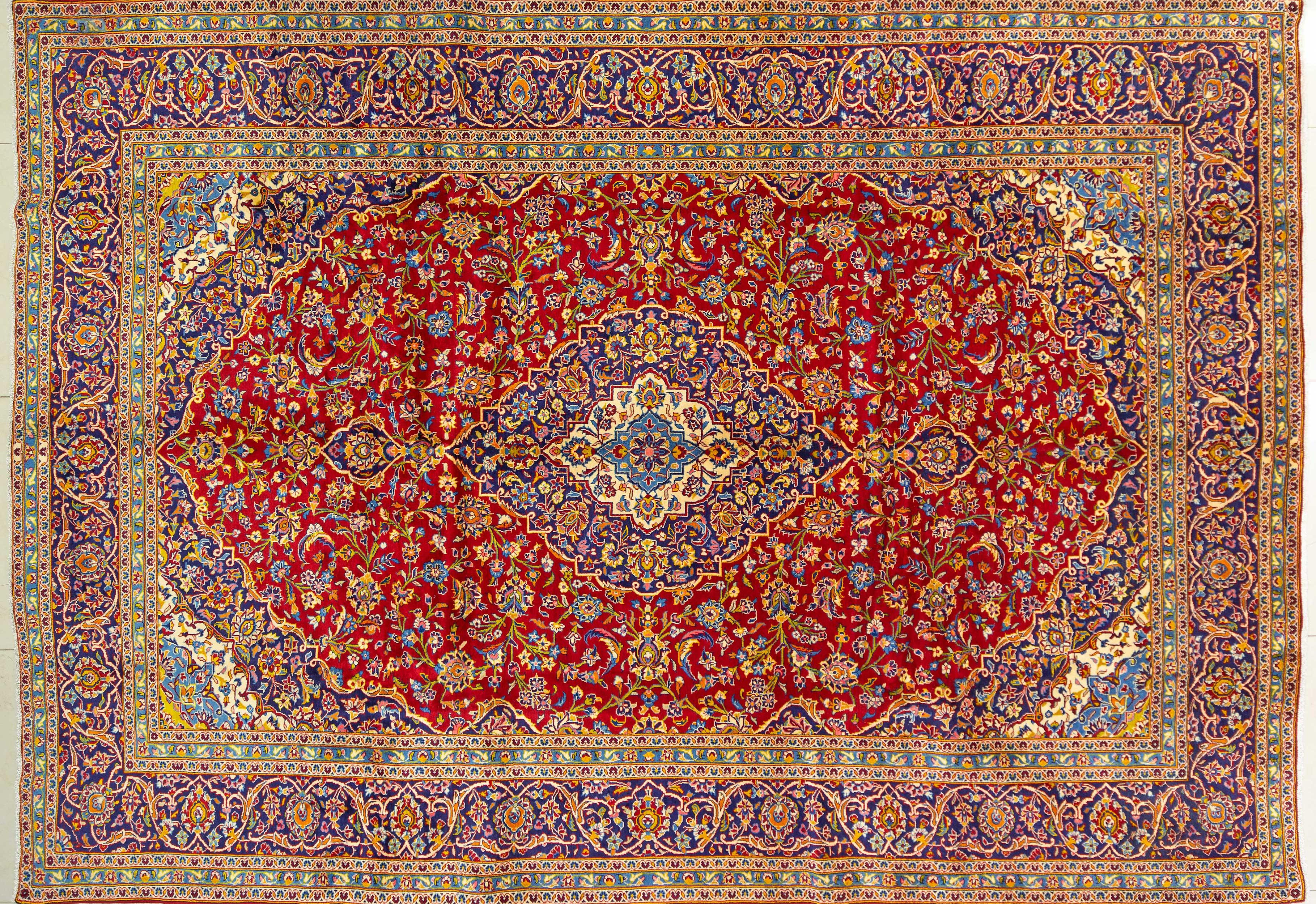 A Persian Hand Knotted Kashan Carpet, 410 x 287