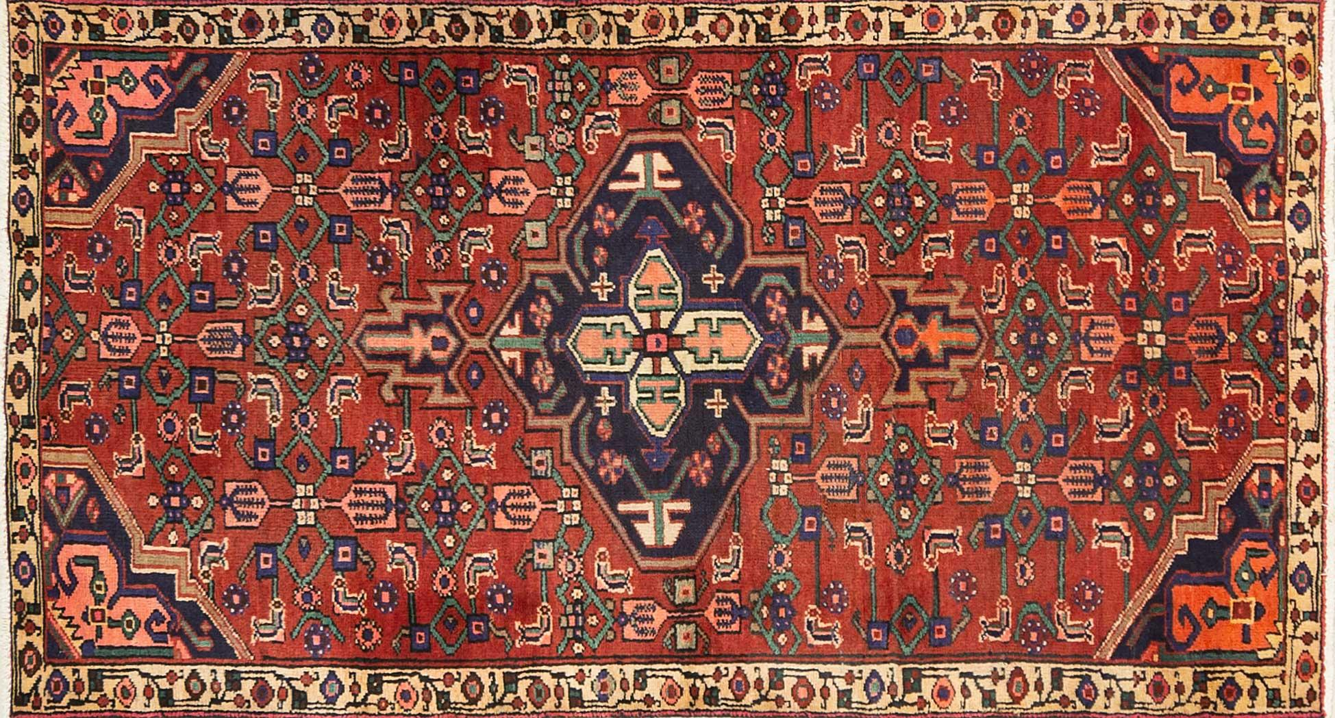 A Persian Hand Knotted Hamadan Rug, 180 x 94