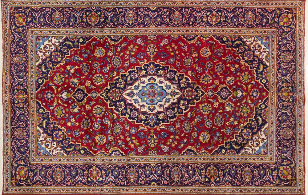 A Persian Hand Knotted Kashan Carpet, 308 x 198