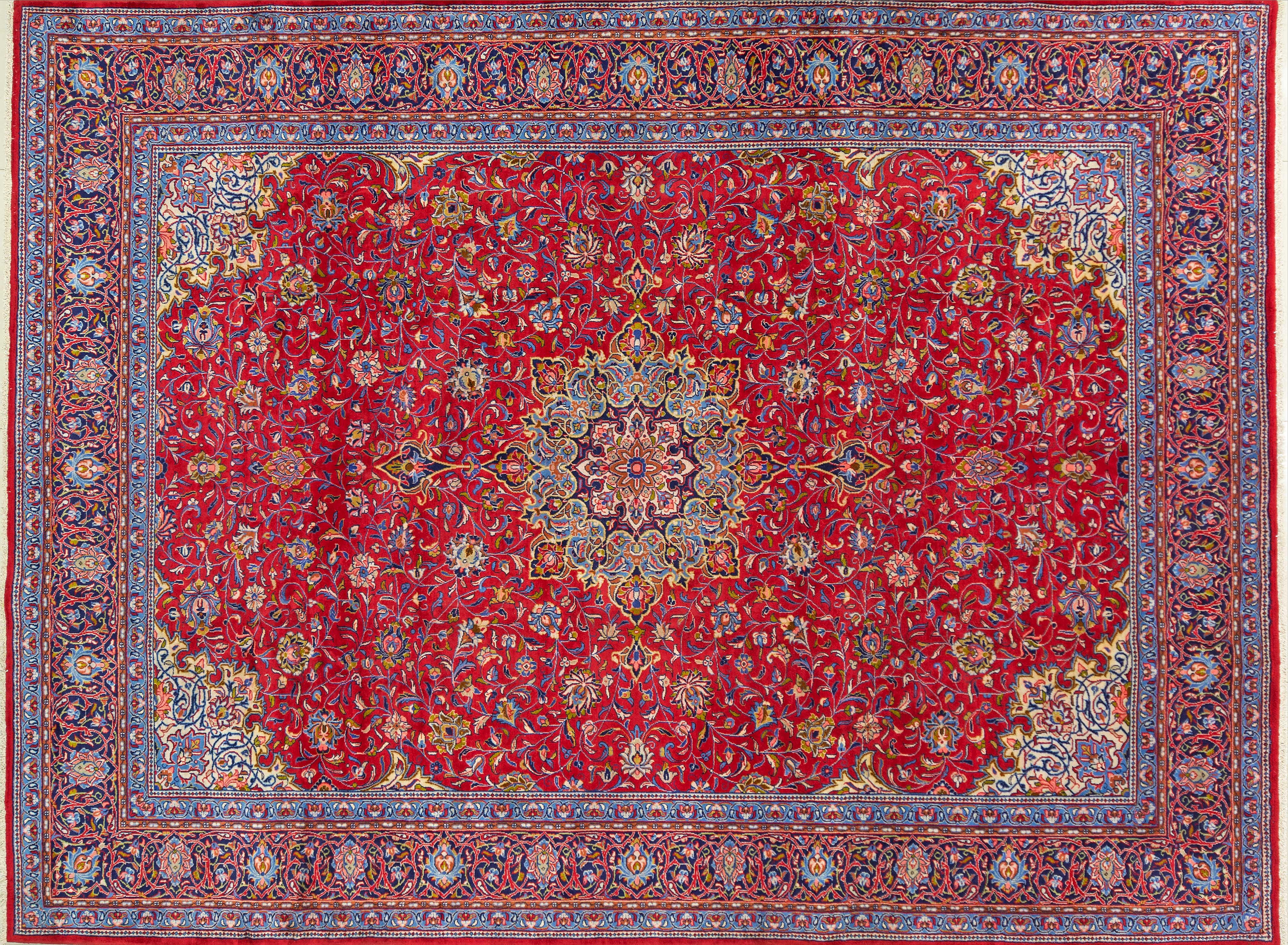 A Persian Hand Knotted Sarough Carpet, 397 x 300