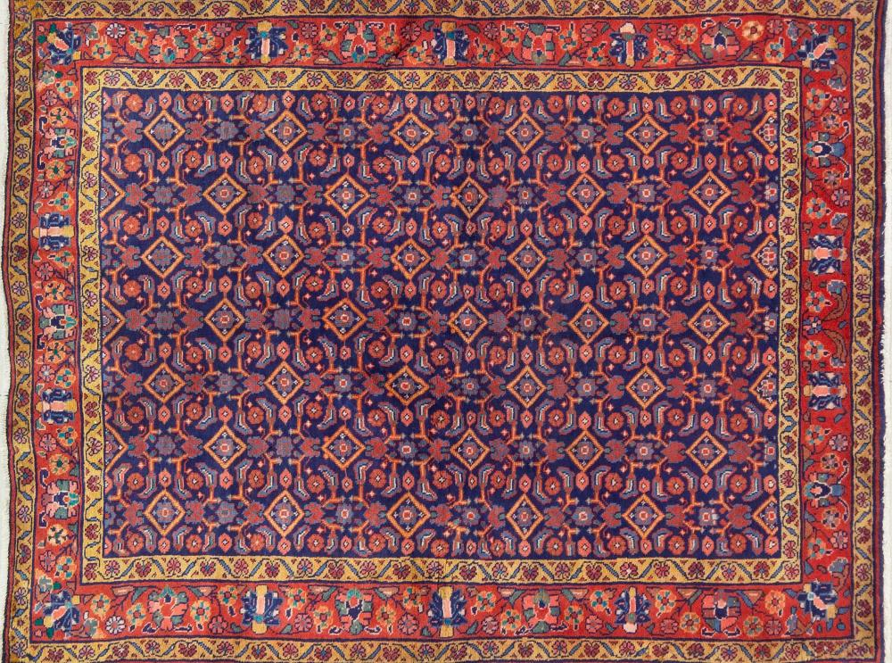 A Persian Hand Knotted Mahal Rug, 200 X 150