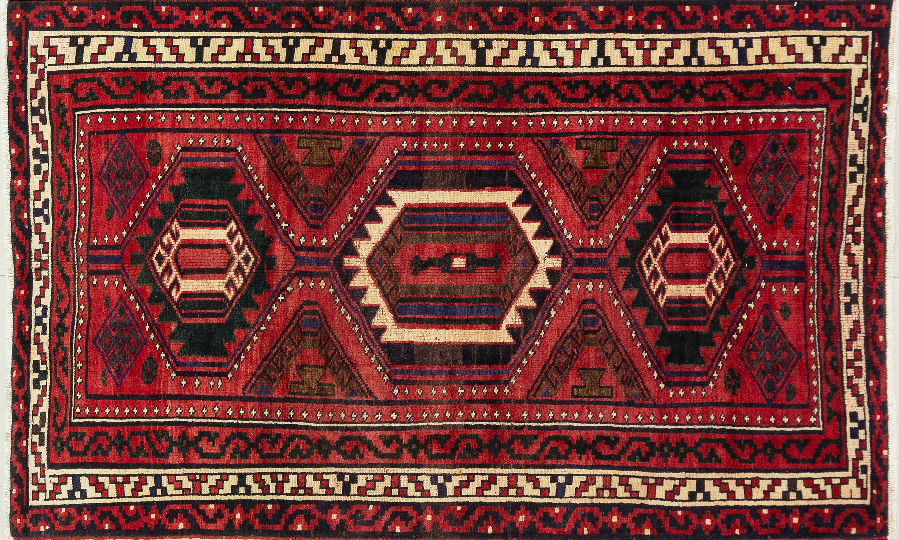 A Persian Hand Knotted Shiraz Rug, 238 X 152