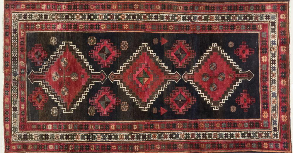 A Persian Hand Knotted Zanjan Rug, 295 X 150