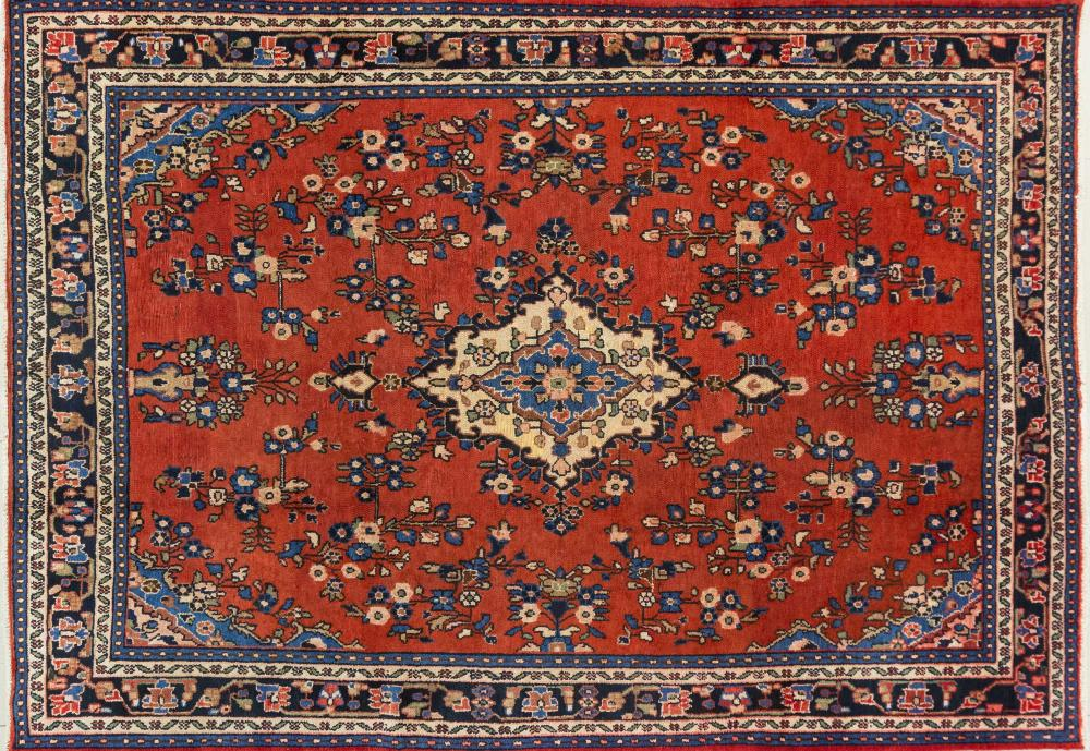 A Persian Hand Knotted Hamadan Carpet, 306 X 212