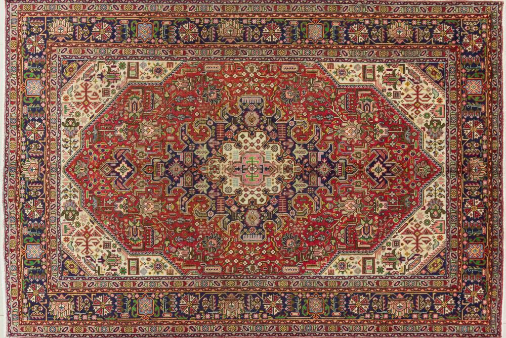 A Persian Hand Knotted Tabriz Carpet, 293 X 200
