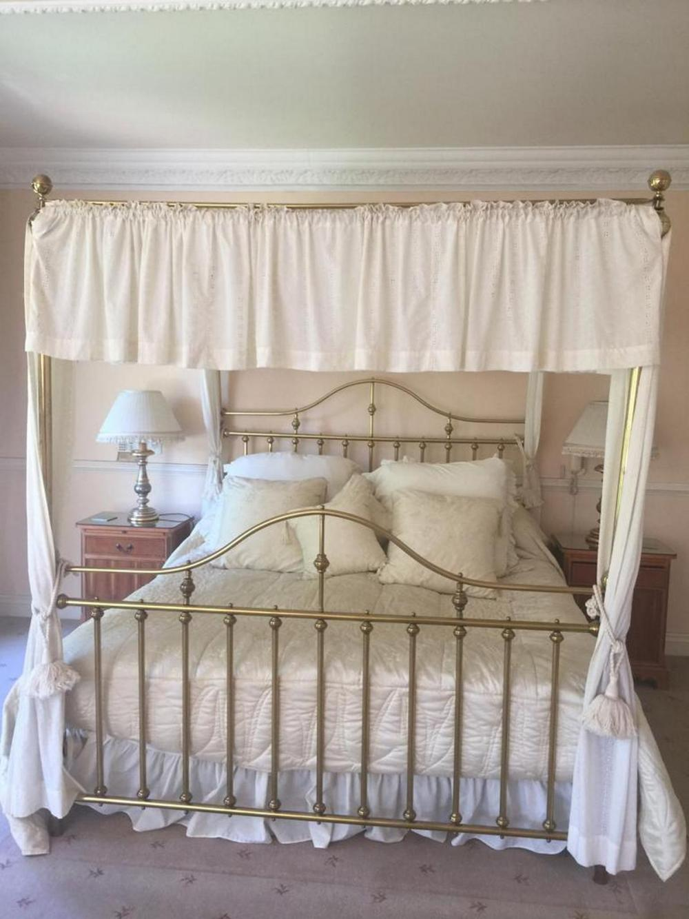 Lot A Brass Four Poster Bed 214 X 206 X 185
