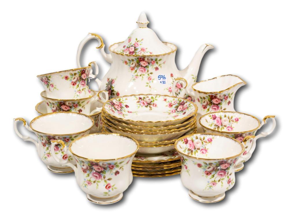 """A 21 Piece Royal Albert """"Cottage Garden"""" Tea Set"""