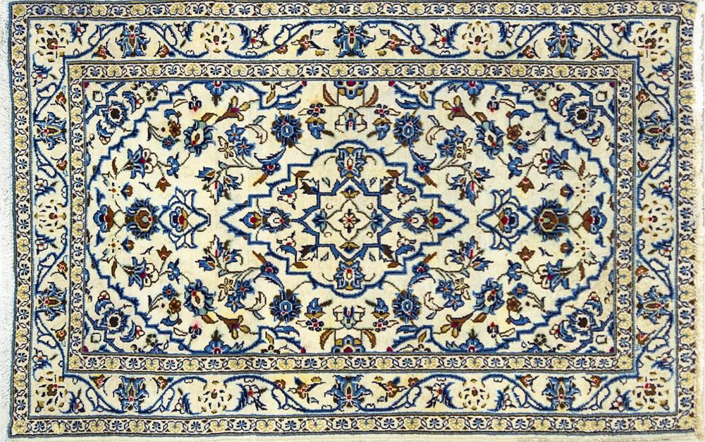 A Persian Hand Knotted Kashan Rug, 150 x 95