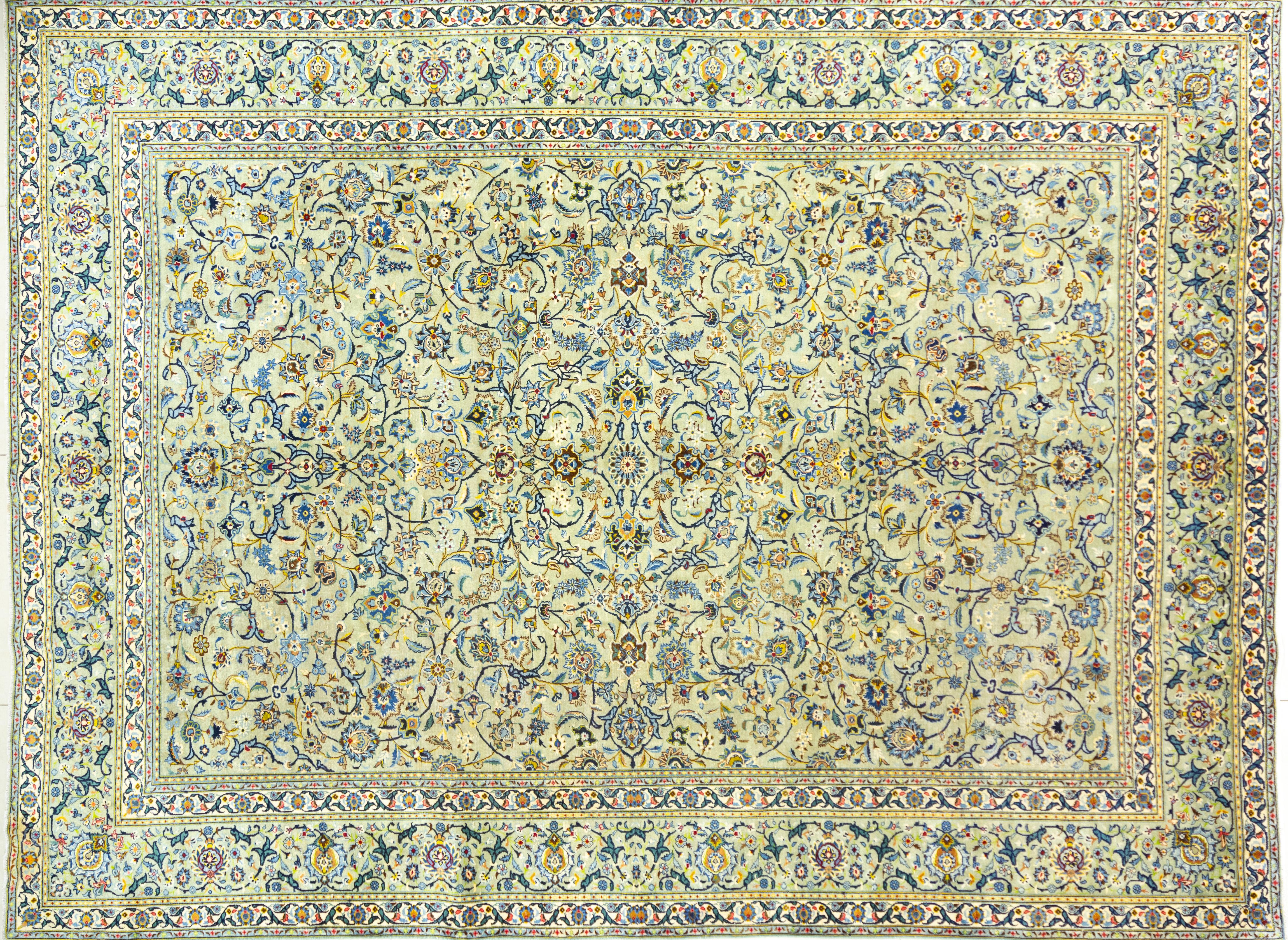 A Persian Hand Knotted Kashan Carpet, 406 x 302