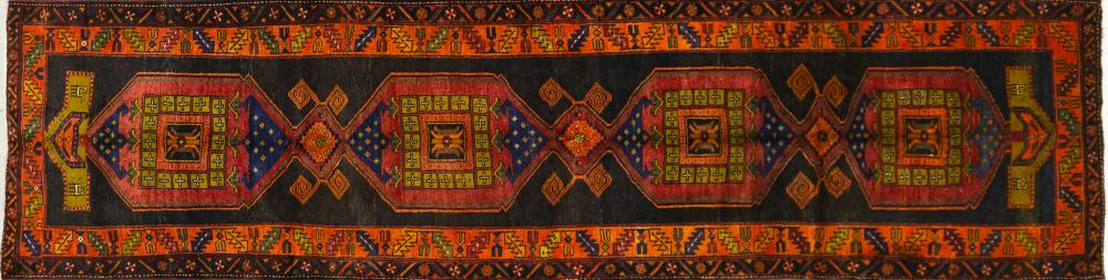 A Persian Hand Knotted Azari Runner, 425 x 106