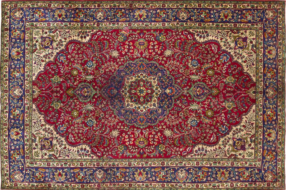 A Persian Hand Knotted Tabriz Carpet, 308 x 203