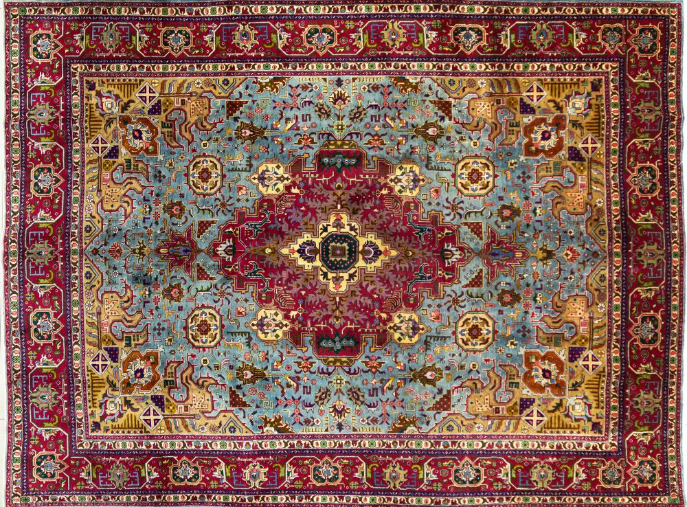 A Persian Hand Knotted Tabriz Carpet, 387 x 296