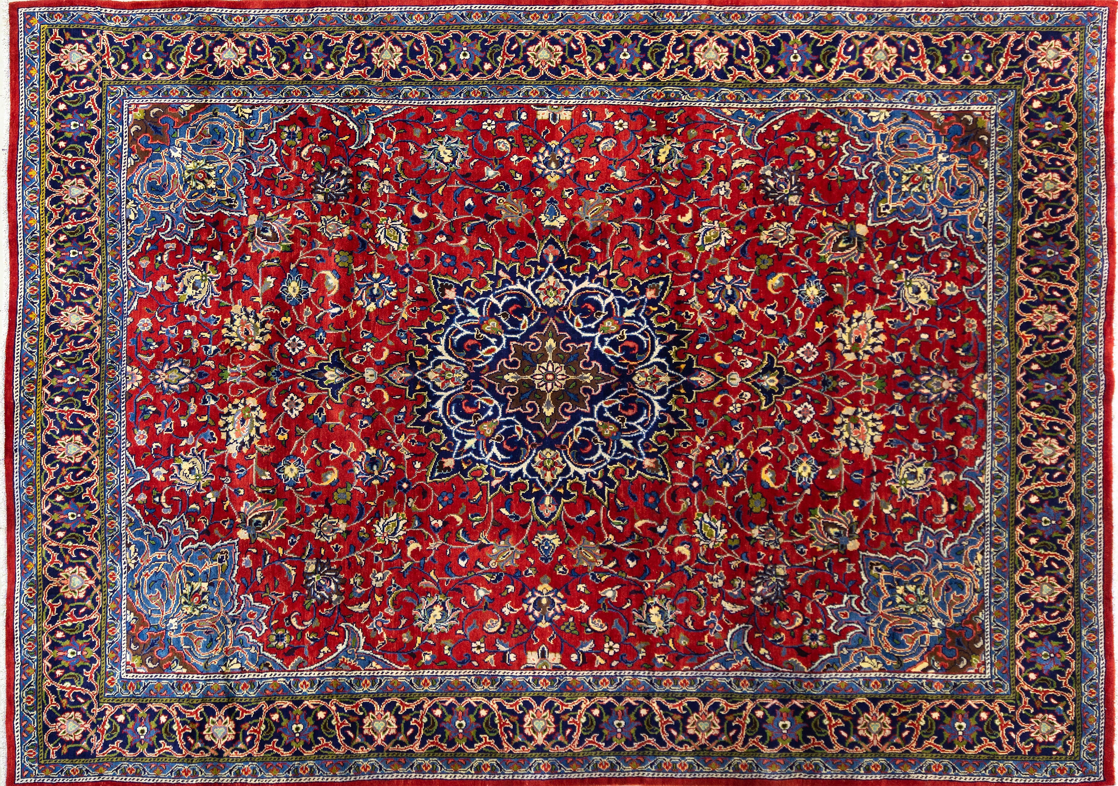 A Persian Hand Knotted Mahal Carpet, 405 x 290