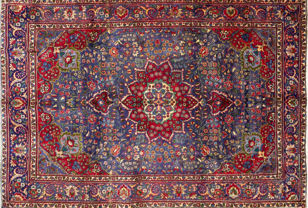 A Persian Hand Knotted Tabriz Rug, 298 x 204