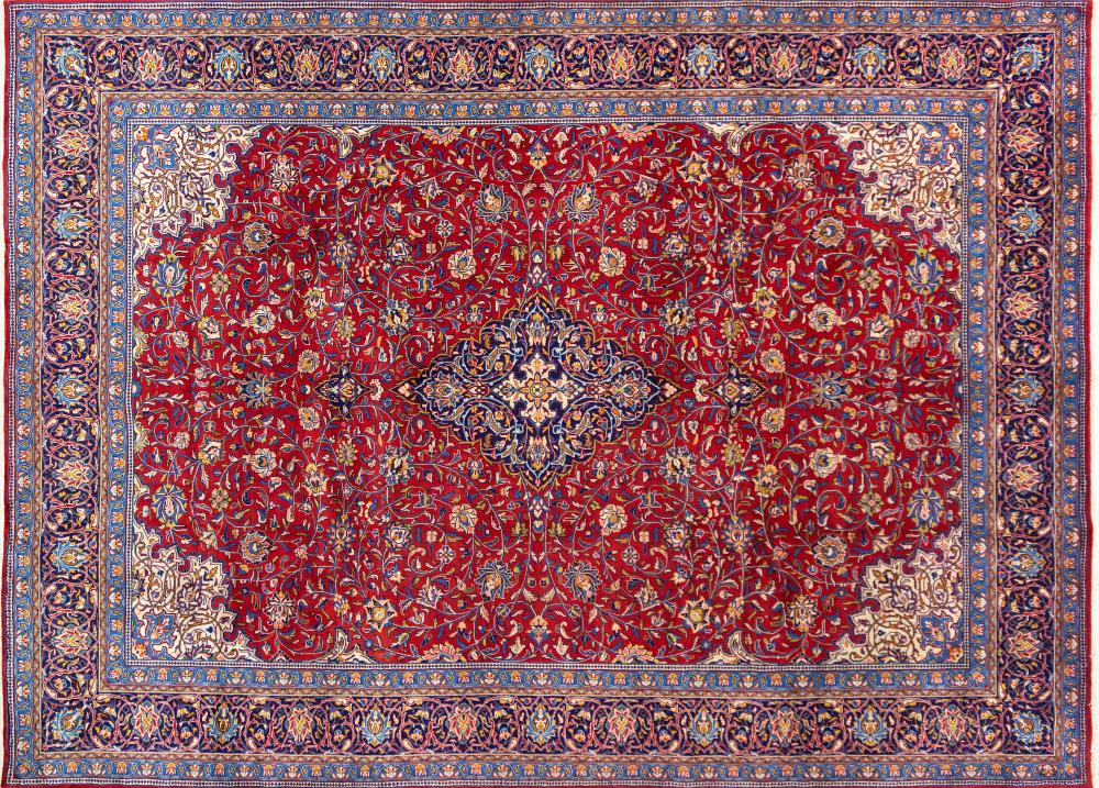 A Persian Hand Knotted Sarough Carpet, 400 x 296