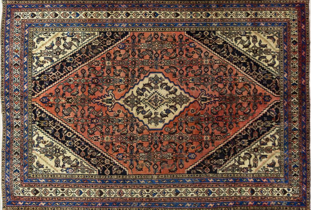 A Persian Hand Knotted Hamadan Carpet, 310 x 207