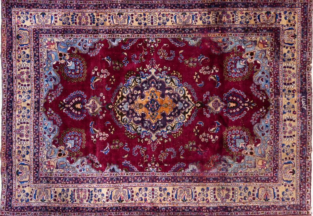 A Persian Hand Knotted Sabzevar Carpet, 273 x 192