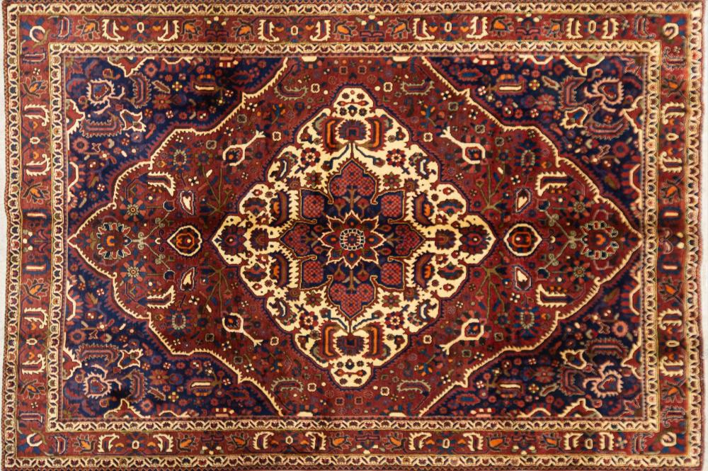 A Persian Hand Knotted Bakhtiari Carpet, 310 x 214