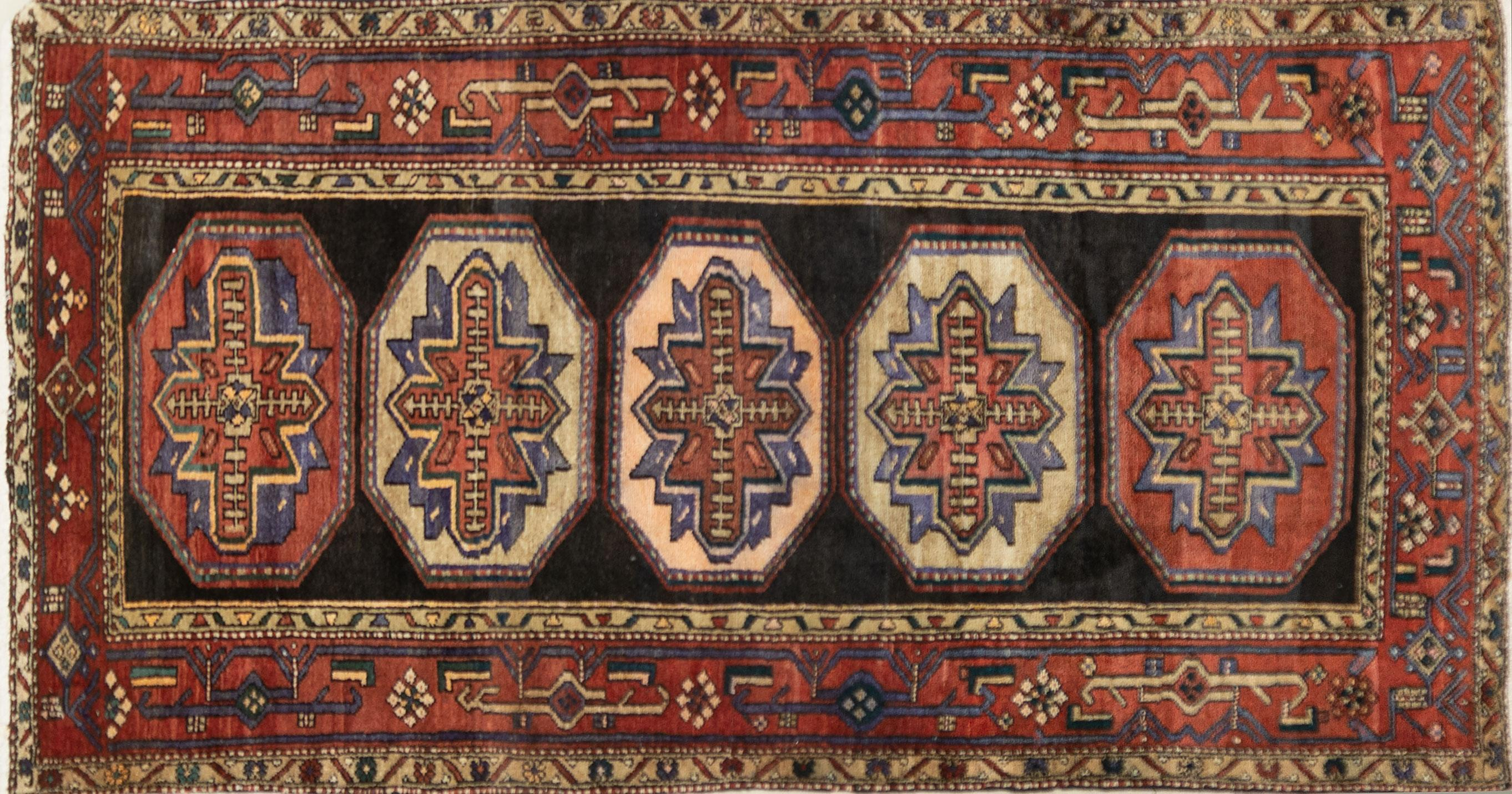 A Persian Hand Knotted Hamadan Carpet, 258 x 135