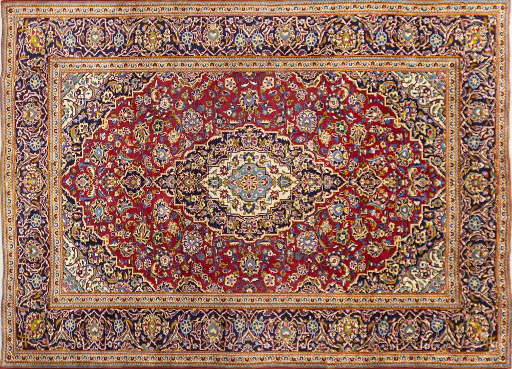 A Persian Hand Knotted Kashan Carpet, 332 x 247