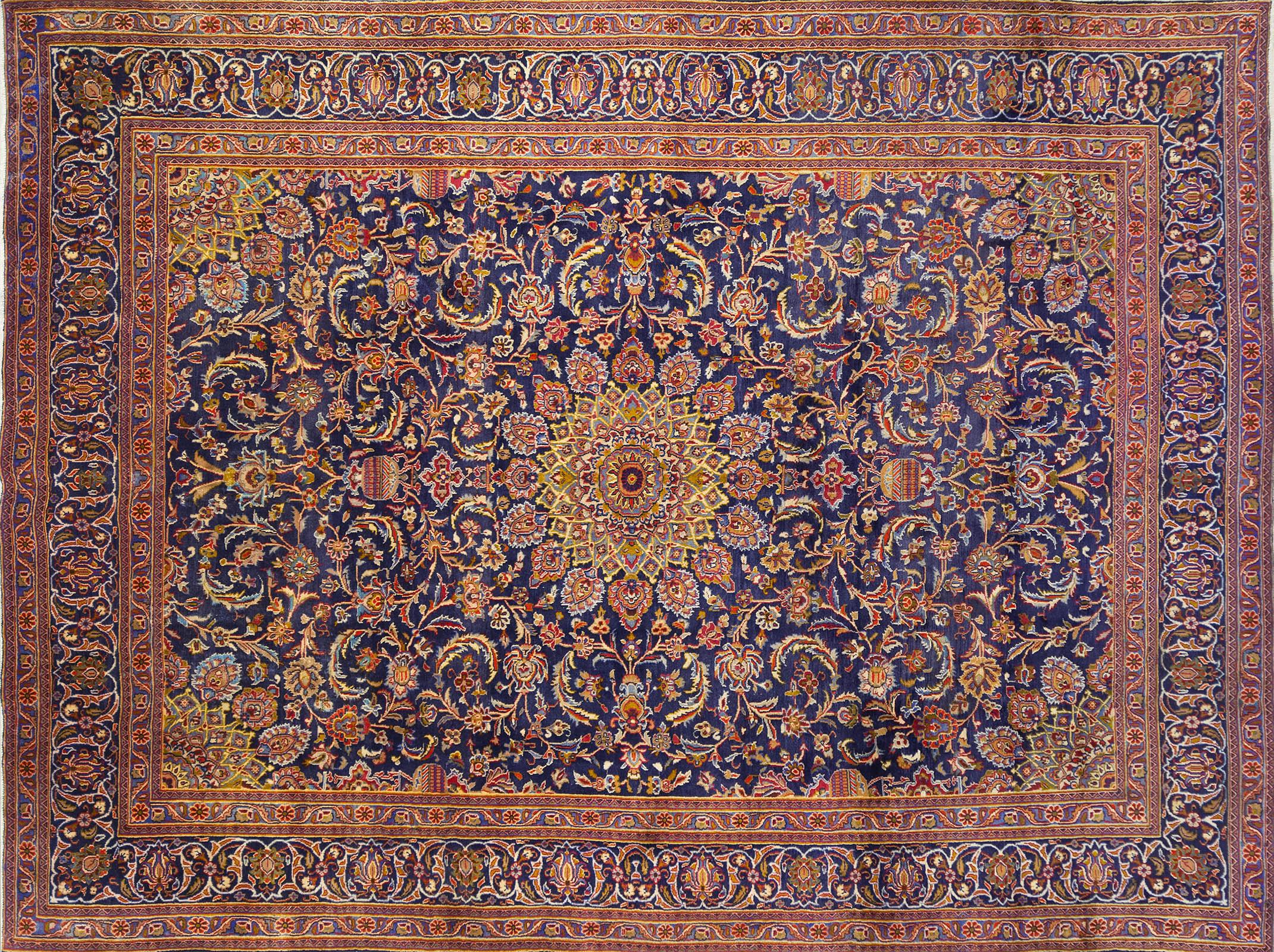 A Persian Hand Knotted Sarough Carpet, 386 x 282
