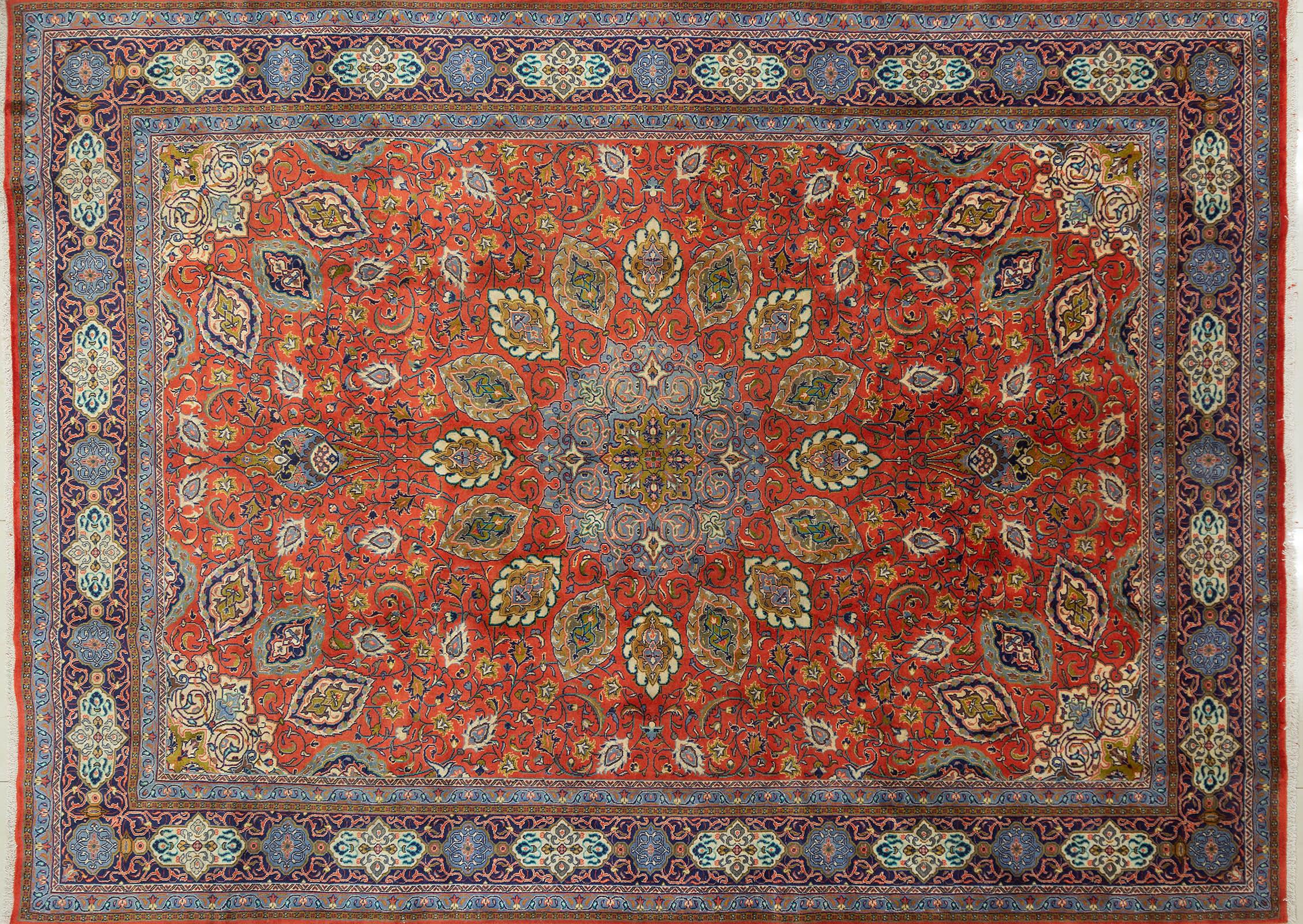 A Persian Hand Knotted Sarough Carpet, 392 x 290
