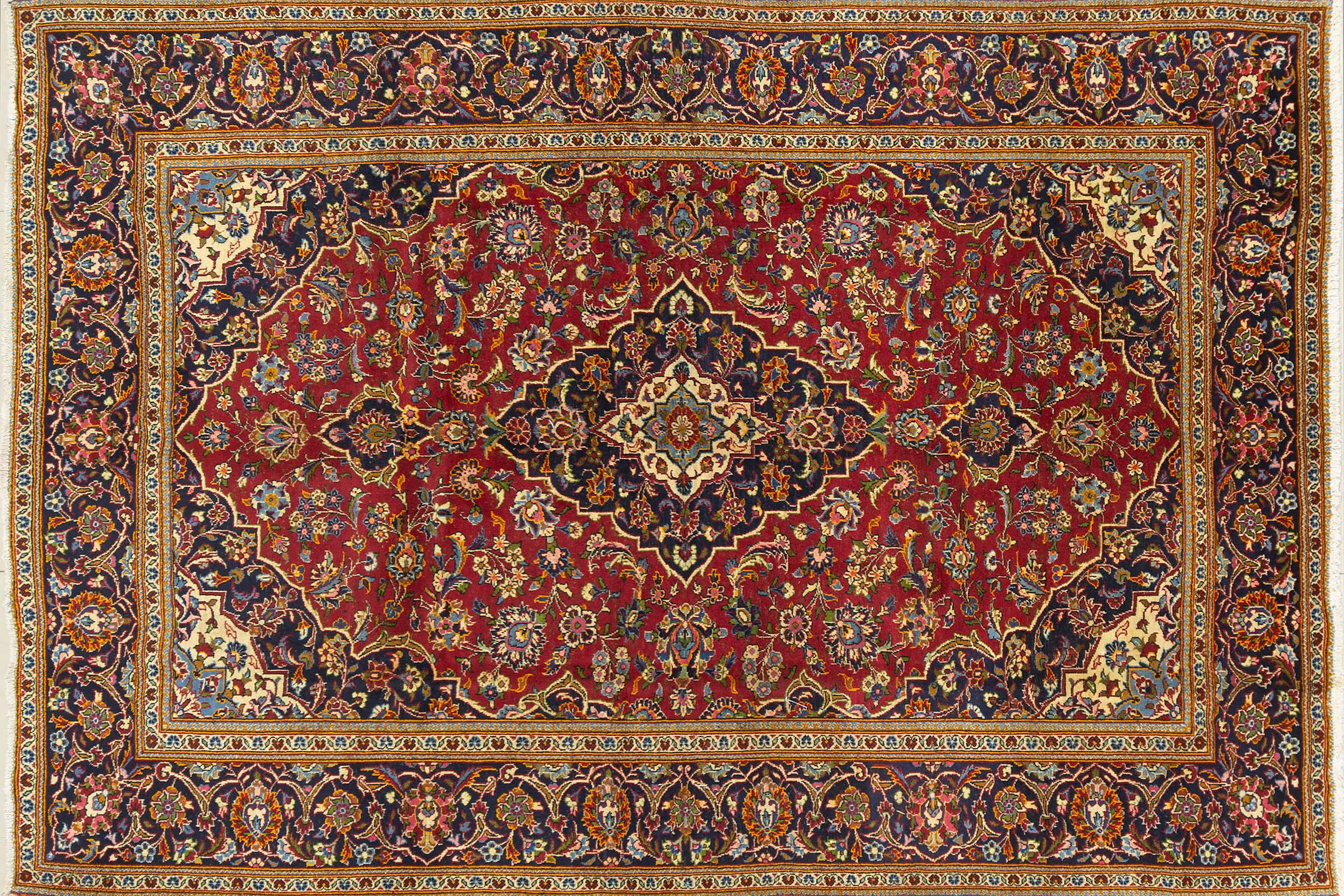 A Persian Hand Knotted Kashan Carpet, 295 x 207