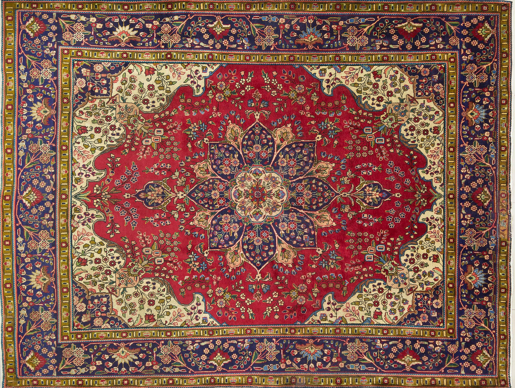 A Persian Hand Knotted Tabriz Carpet, 385 x 295
