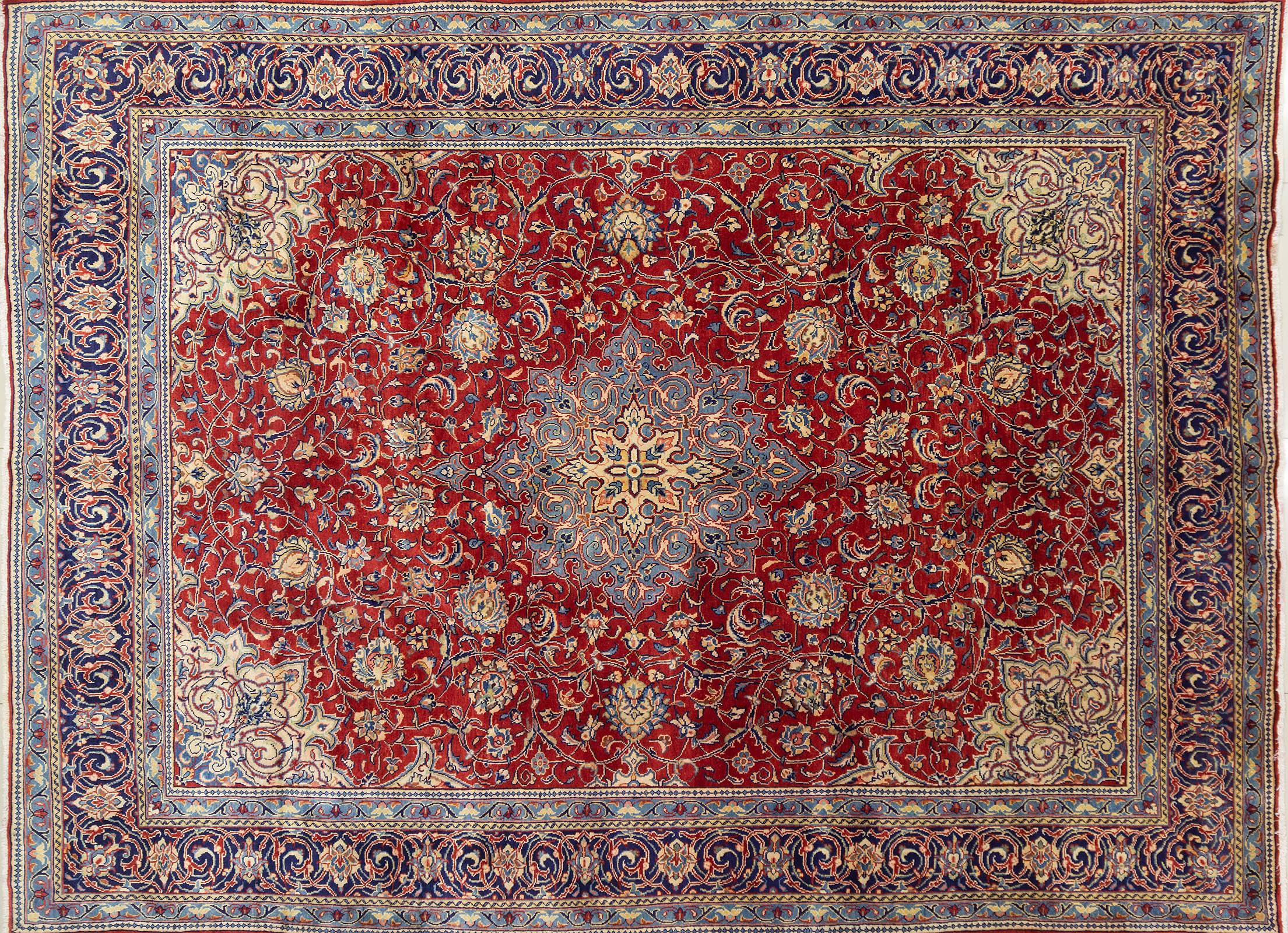 A Persian Hand Knotted Mahal Carpet, 396 x 300
