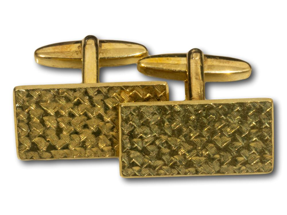 A Pair of 14kt Gold Cufflinks, total weight 10.9g