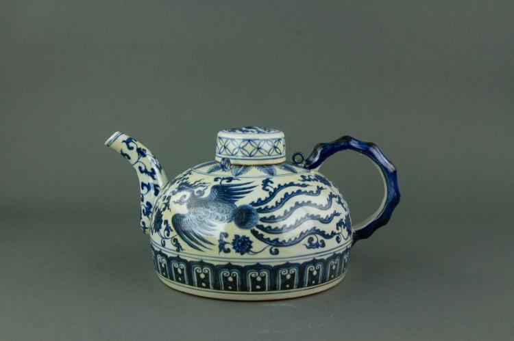 Chinese Fine Blue & White Large Porcelain Teapot