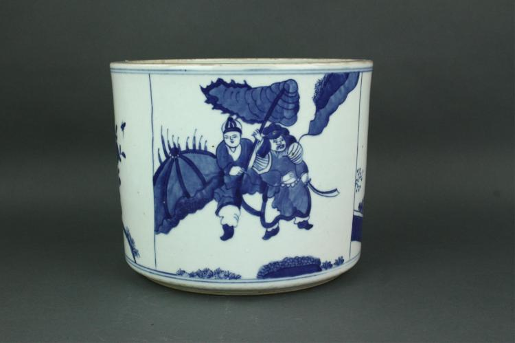 17/18th C. Large Blue and White Porcelain Bitong