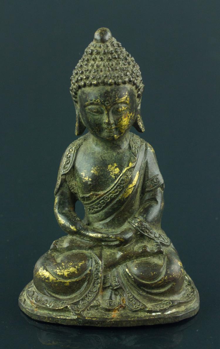 17th Century Chinese Gilt Bronze Buddha Figure