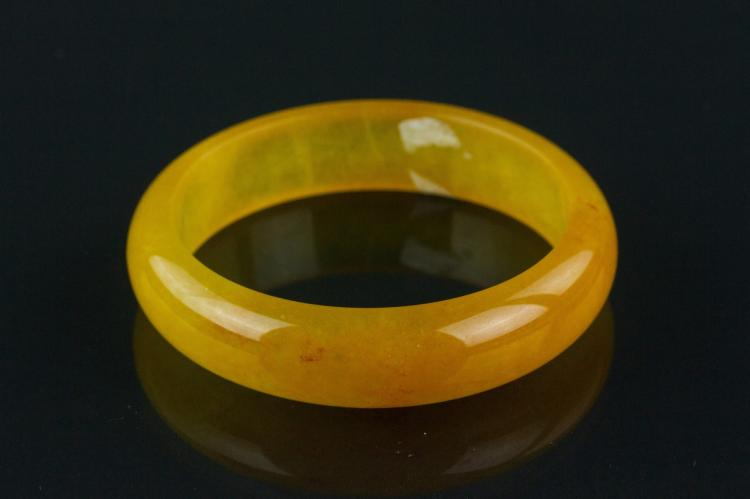 Chinese Yellow Hardstone Bangle